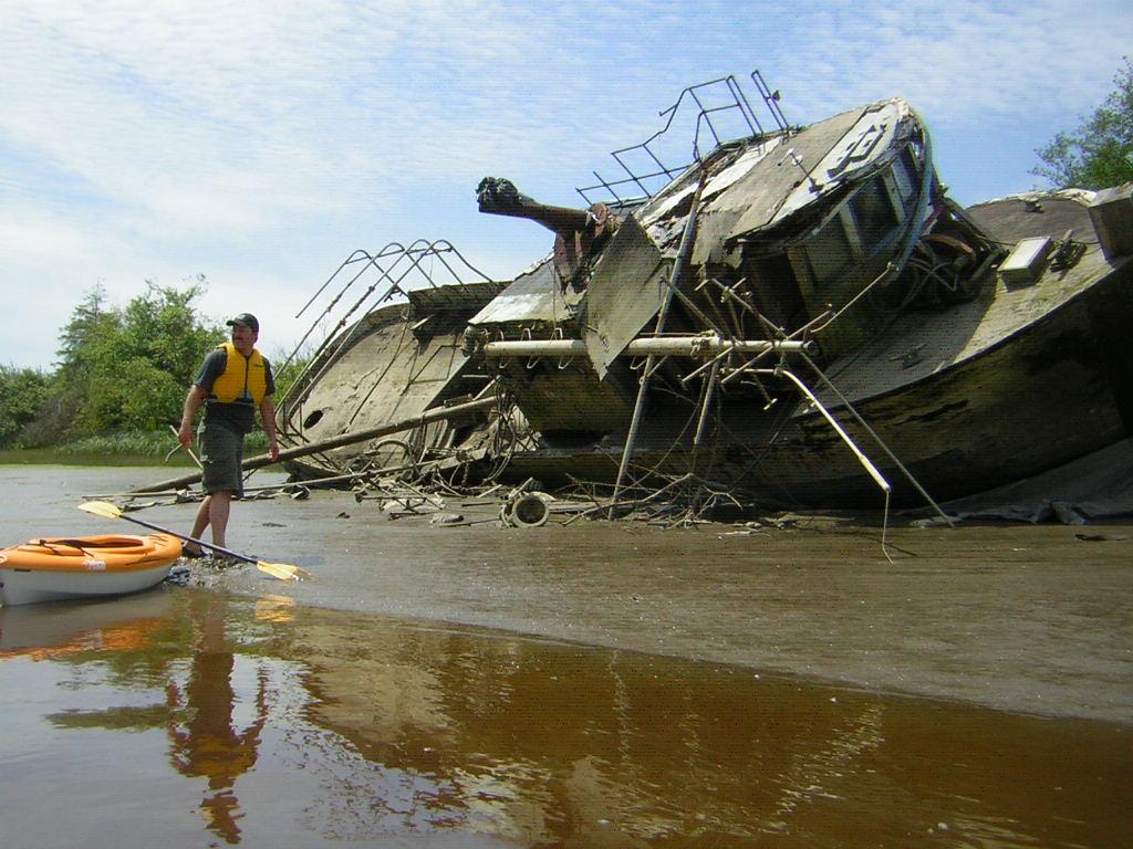 Name:  Snohomish_River_shipwreck_paddling_Everett_WA.JPG Views: 1005 Size:  164.2 KB