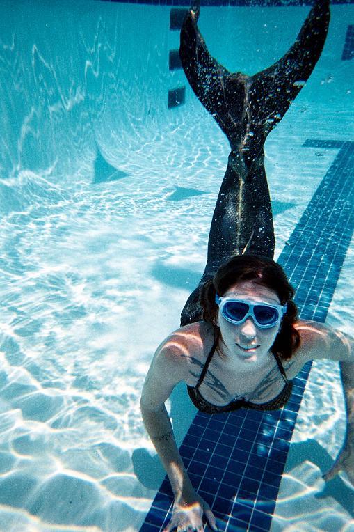 Name:  swimming4.jpg Views: 824 Size:  103.5 KB
