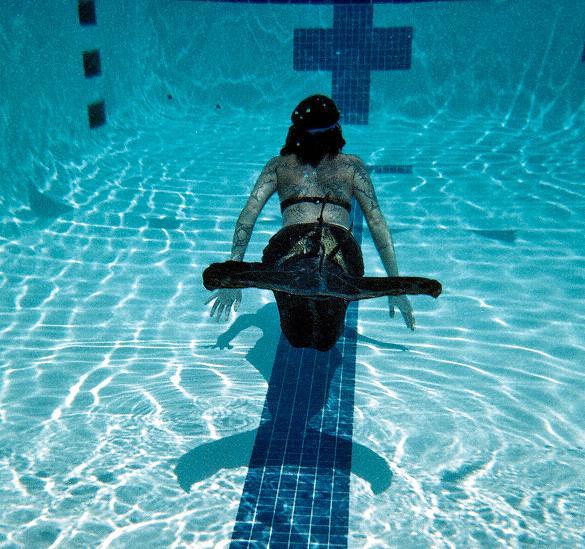 Name:  swimming5.jpg Views: 792 Size:  94.9 KB