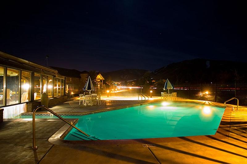Name:  hotel-park-city-peaks-pool_1298.jpg Views: 1343 Size:  72.3 KB