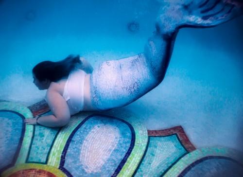 Name:  Mermaid Underwater Small.jpg Views: 21 Size:  45.0 KB