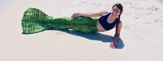 Name:  Posing on the Sand.JPG Views: 615 Size:  51.7 KB