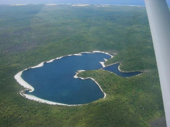 Name:  lake mackenzi.jpg Views: 2451 Size:  29.6 KB